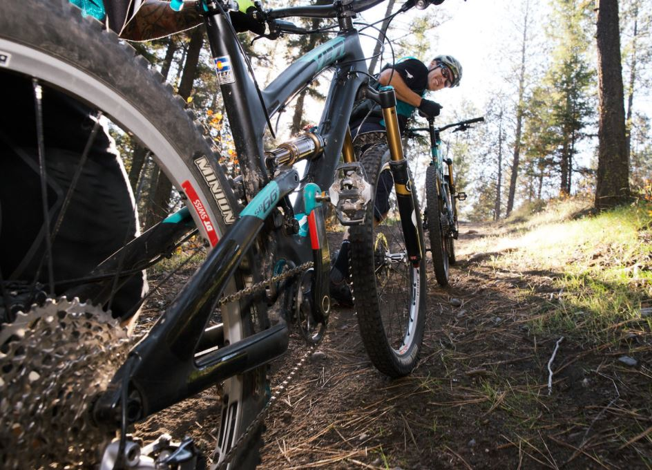 test Twitter Media - Group Ride happening tonight at Smith Creek with @Sovereigncycle. Meet at 6:30 pm. Trail level is Blue. https://t.co/rJ2gjxjFDR https://t.co/KHTg1TGhGp