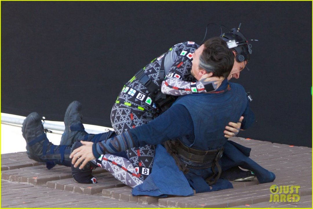 Avengers: Infinity War Set Photos Featuring Paul Rudd, Benedict Cumberbatch & More 6