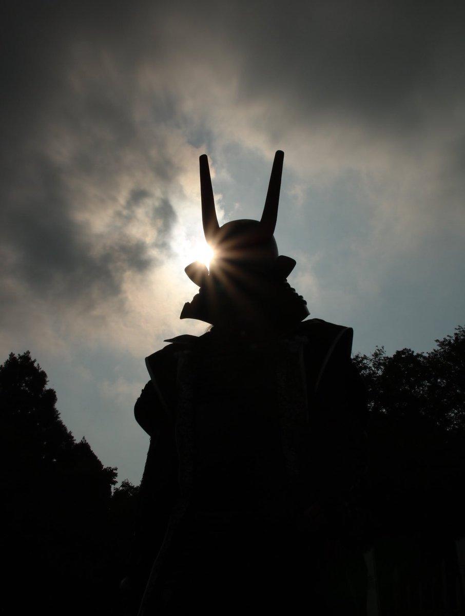 test ツイッターメディア - 絶望には希望の光をぶつけて 粉砕せよ その光はどんなに小さくとも お主の中で輝いている  島左近 鬼唱 おはようさんじゃ! 雲の多い関ケ原の朝である さて、本日からは政務ゆえ出陣しておらぬが19日(土)は新たな足軽見習いの一人と共に出陣致す よろしくのう。 https://t.co/d0uG1P8dv1