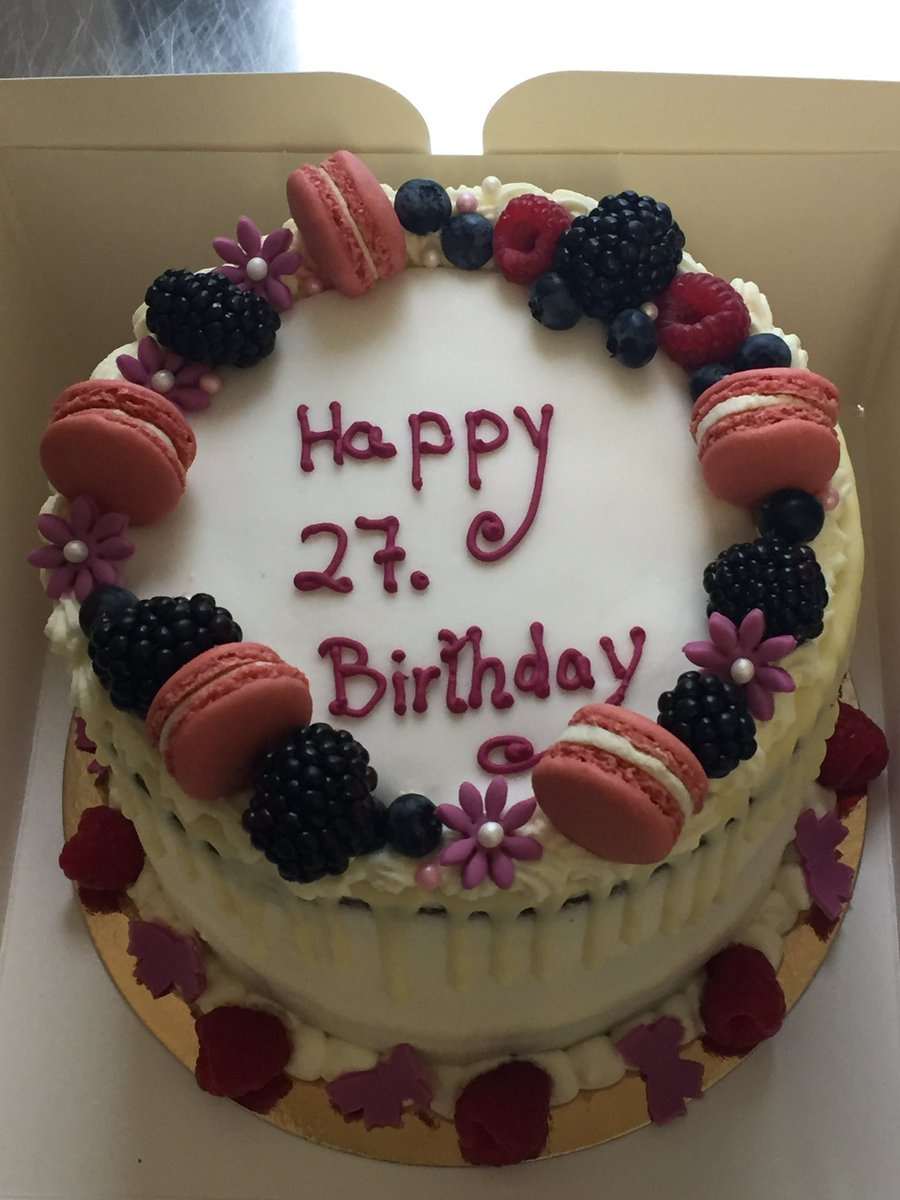 27th Birthday Cake : birthday, Cupcake, Berlin, Twitter:, Another, #birthday, Cake,, Happy, Birthday, #berlin, #birthdaycake, #cakesberlin, #cupcakesberlin, #macarons, #cakedesign, #happyweekend…, Https://t.co/BIv7fSAw6x