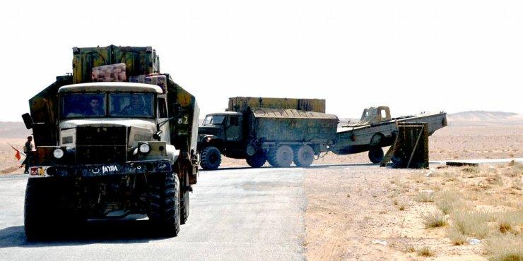 DJNwZKVXoAEv3KP Сирийская армия форсирует Евфрат