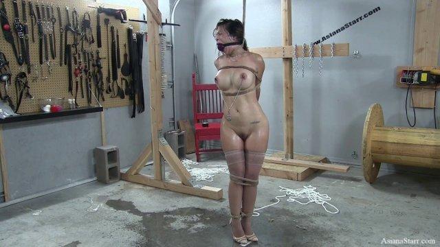 Asiana Starr On Twitter Bdsm Bondage Livebondageshow Predicamentbondage Bondagepowercouple Breathplay Stockings Highheels Https T Co Izhvoojmb2