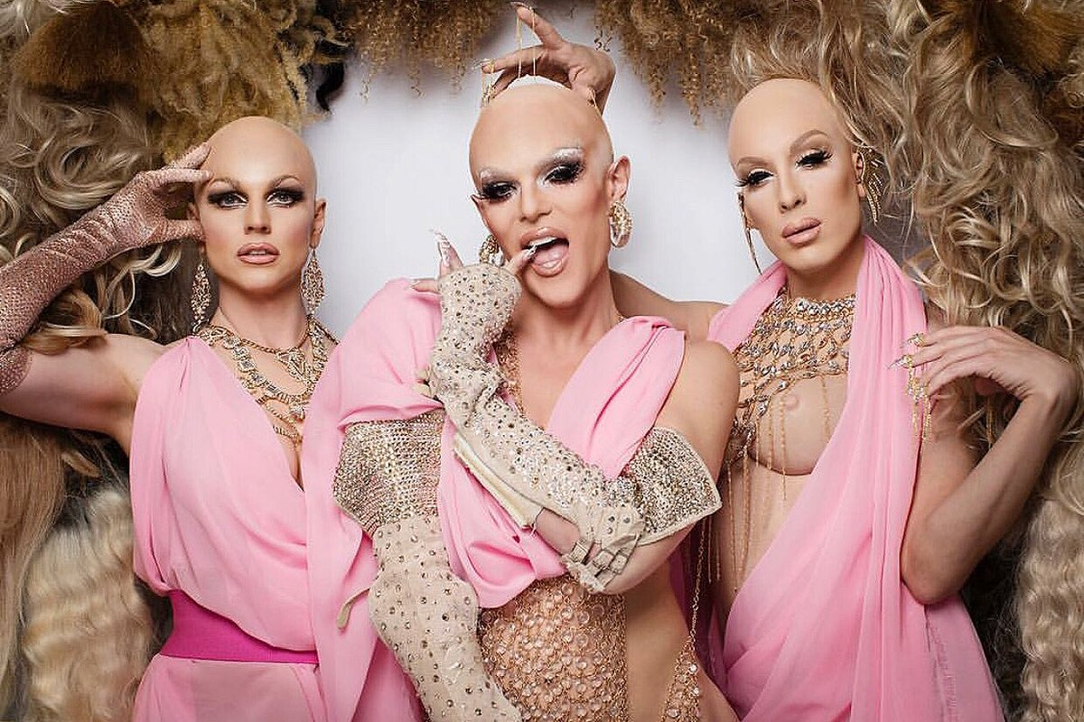 Wigs By Vanity On Twitter Tbt To The Aaagirls Courtneyact Willam Alaska5000 Singing About A Lacefront Like This Wig Wall By Wigsbyvanity Snatchedbald Https T Co Y2pderoejc