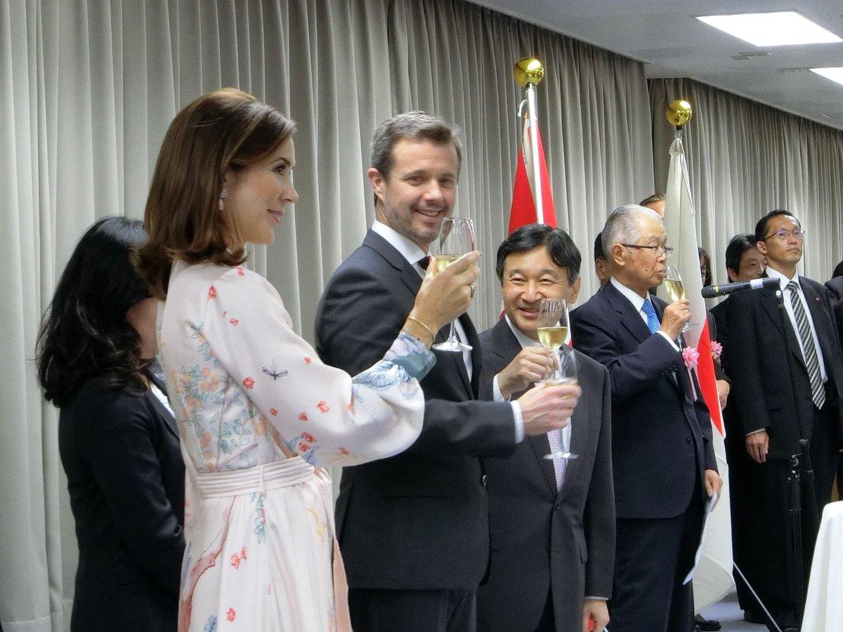 test ツイッターメディア - 昨日(10/10)、秋の特別展「日本とデンマーク ―文書でたどる交流の歴史」に皇太子殿下、デンマーク王国皇太子殿下、同妃殿下がご来館され、展示をご覧になりました。あわせて、レセプションにも参加されました。 https://t.co/LRqCAcWD8r