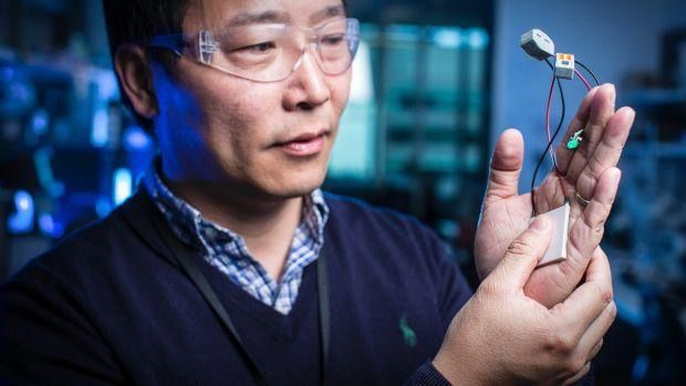 Smart textiles use body heat to power devices as you exercise  #IoT #WearableTech