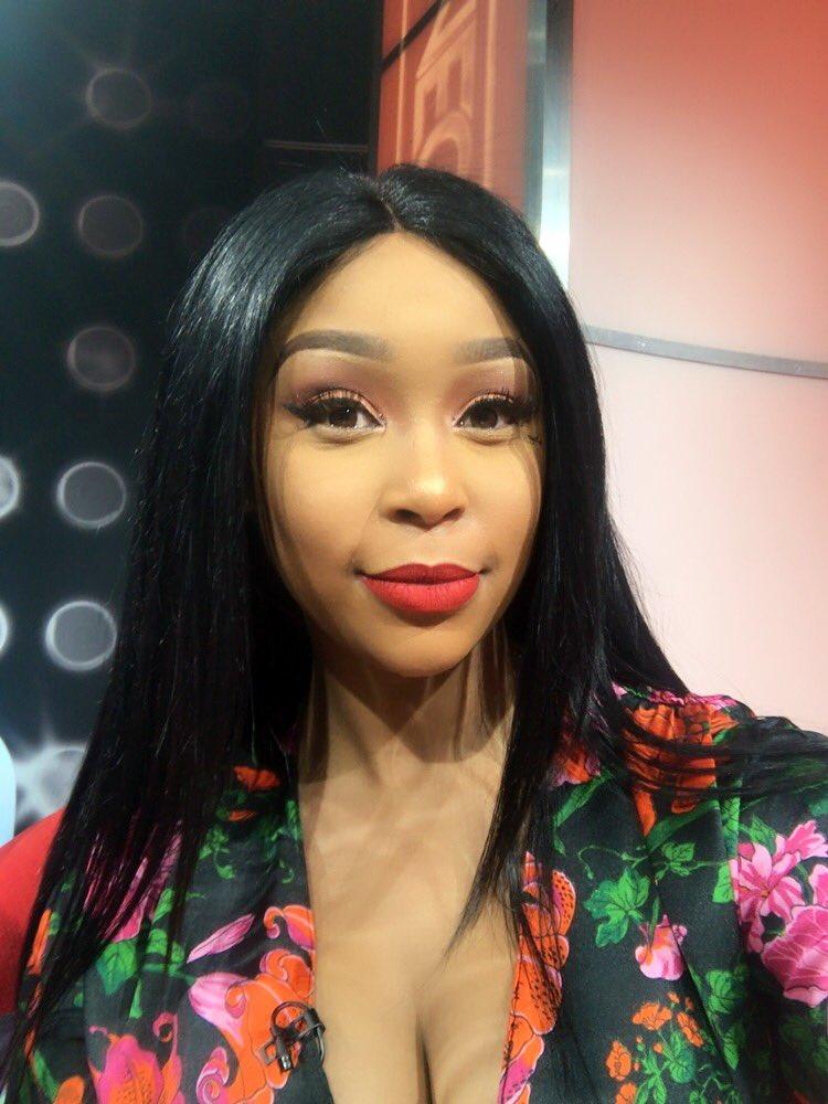Minnie Dlamini Jones on Twitter Set selfies before we go