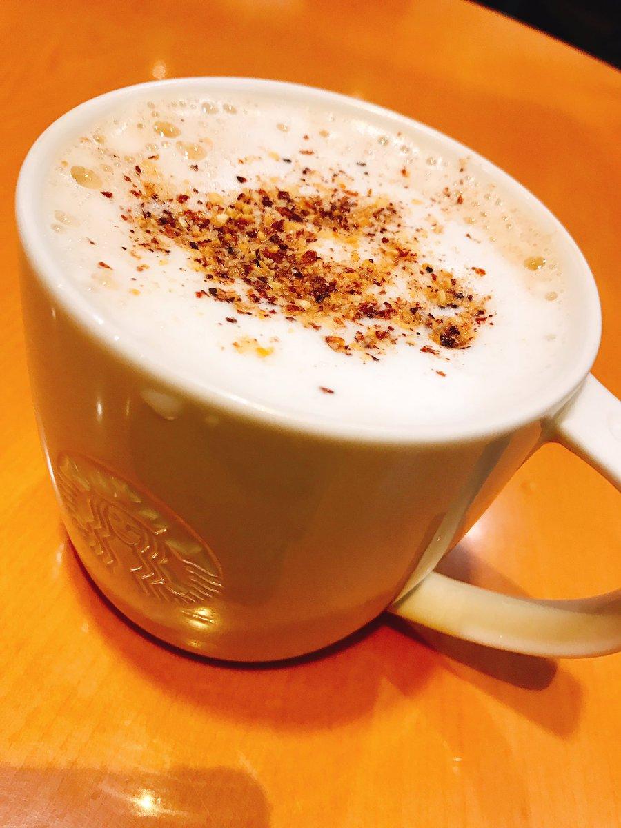 test ツイッターメディア - ひとやすみ。  ショートサイズなのにマグカップにすると量が多く感じるのは気のせいだろうか?  アーモンドのやつよ!😆 https://t.co/l33yspM3sK