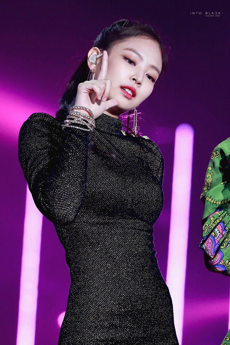 APPRECIATION JENNIE IN A SHORT TIGHT DRESS Allkpop Forums
