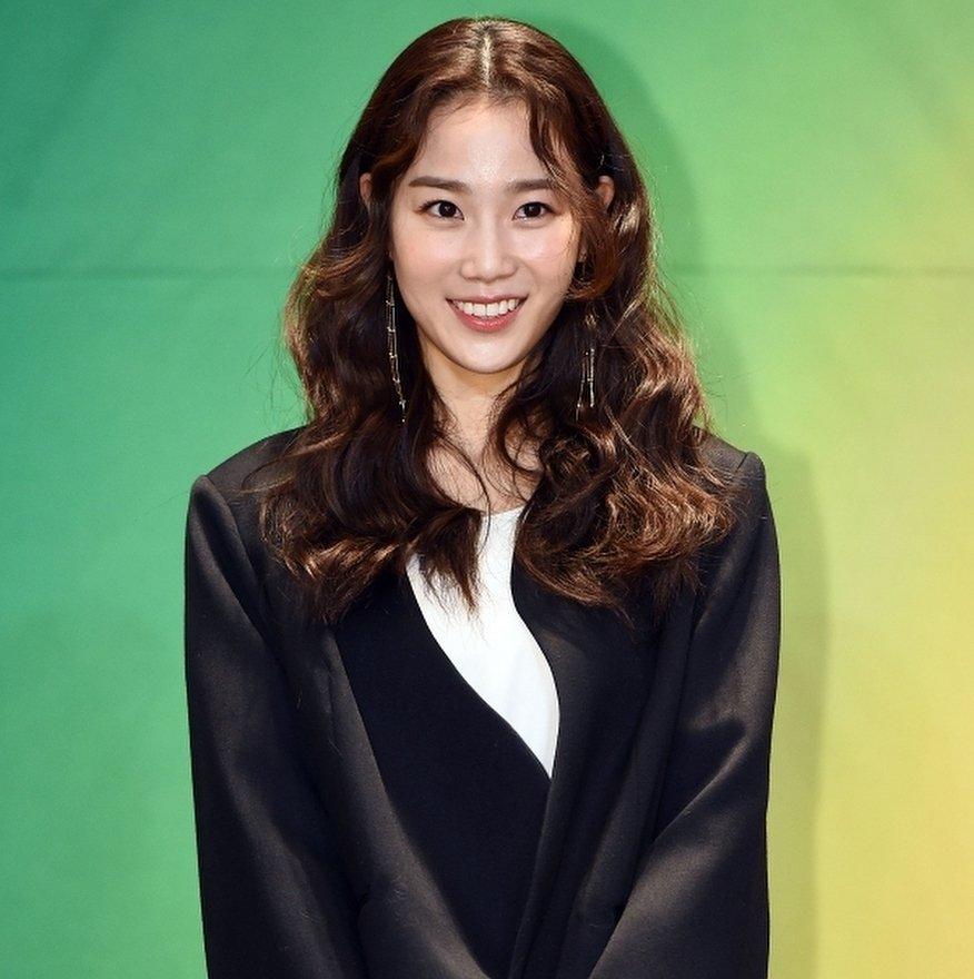 Image result for 장희령 jyp site:twitter.com