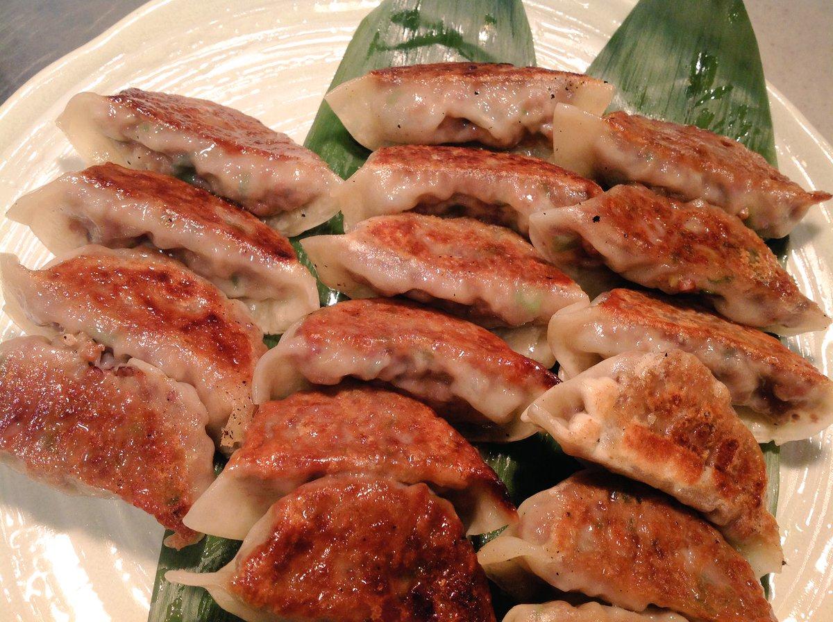 test ツイッターメディア - 〈東京店オーガニックレストランです〉ベジタリアンマンデー畑の気持ちディナービュッフェは「コンニャクのジンギスカン風」「ひよこ豆のパコラ〜インド風かき揚げ」「高きびの餃子」「じゃが芋のベジミートパイ」「豆腐のチゲ鍋」「さつま芋のメープラマッシュ」など、お待ちしております。 https://t.co/fZYmD2NJYr