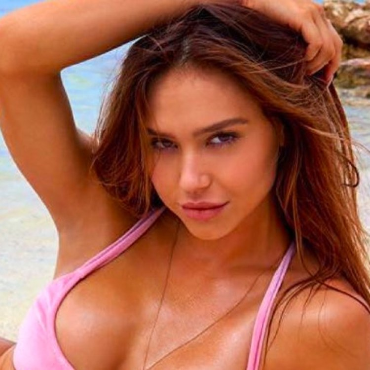 8548376177737 Alexis Ren Is SI Swimsuit s Rookie Of The Year