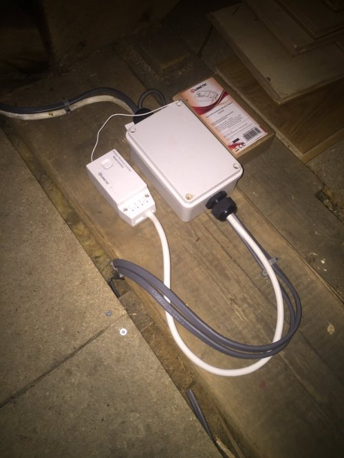 small resolution of partially wired in rubber replaced with quinetic switches and receiver from tlcdirect1 electrician partp proelectrician e5 lighting wireless