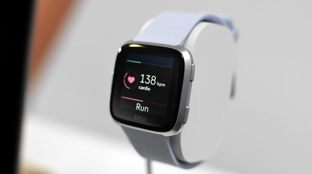 test Twitter Media - RT @wareable: First look: Fitbit Versa is a smartwatch that reaches out to Pebble fans https://t.co/IK9LuI7Ul7 https://t.co/UxDEa5VICR