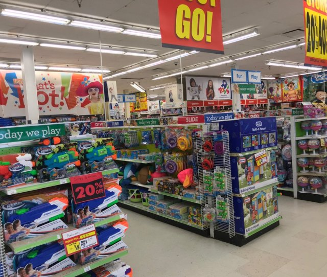Joan Verdon On Twitter Still Tons Of Inventory At Toys R Us Route 17 Paramus But No Deep Discounts Yet Most Merchandise Only 20 Percent Off Toysrus