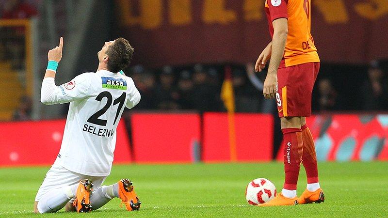 Селезнев забил два гола Галатасараю и вывел Акхисар в финал Кубка Турции - изображение 2