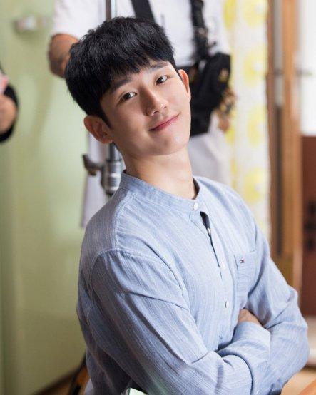 ผลการค้นหารูปภาพสำหรับ jung hae in 2018
