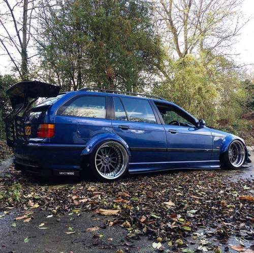 small resolution of this bmw e36 touring looks really extreme bmw 3series e36 bmwe36 touring extremelookspic twitter com r1c7y3joxh