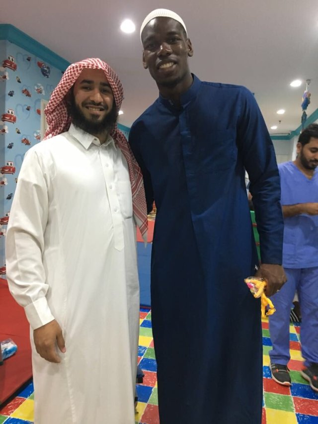 بالصور.. بوجبا في زيارة للأطفال ذوي الاحتياجات الخاصة بالسعودية 25