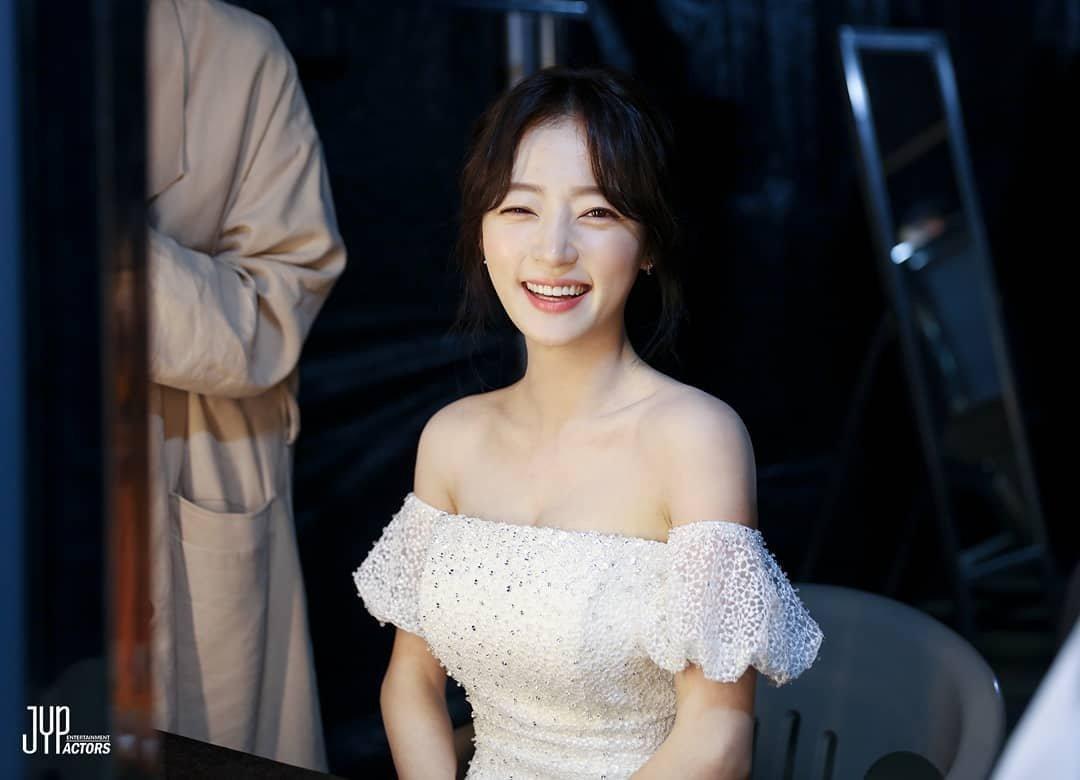Image result for 송하윤 jyp site:twitter.com