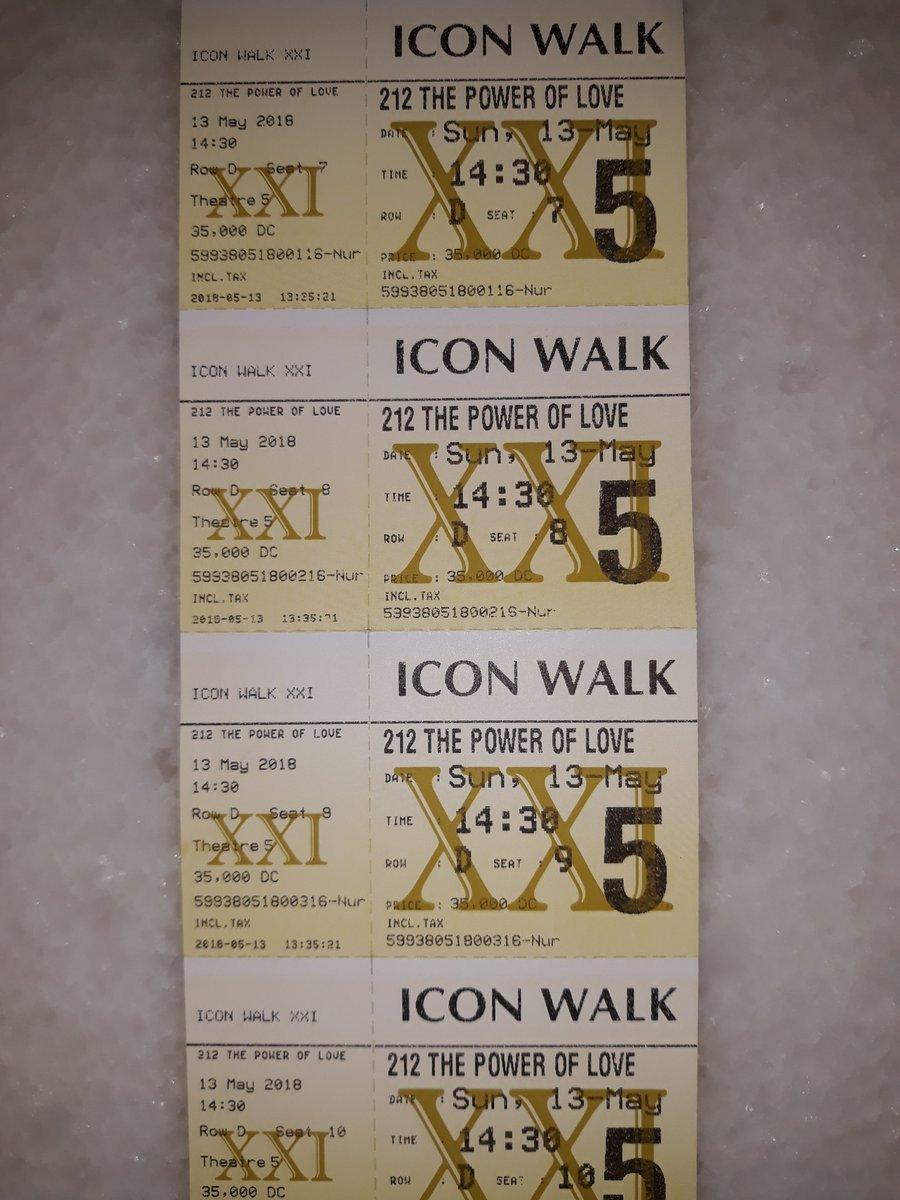 Icon Walk Xxi : Widya, Nugroho, Twitter:,