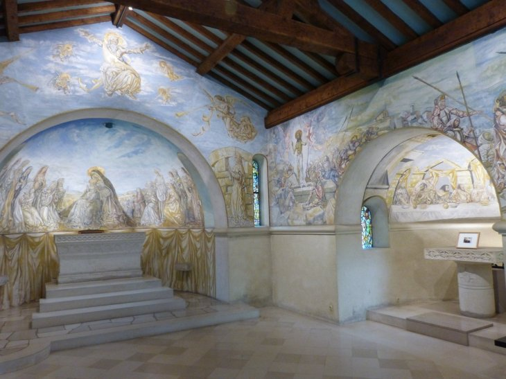 """Guilmetayer on Twitter: """"La chapelle Foujita de Reims offre un ..."""
