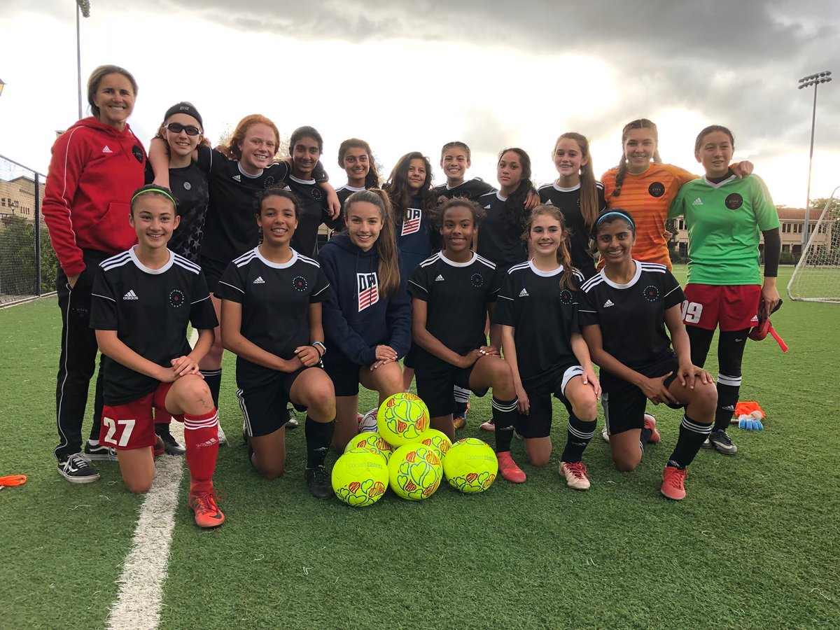 Coach @brandichastain and her @californiathornsfc team getting some training in with our new Soccer Sisters Soccer Balls!  ⚽️ #soccersisters #soccertraining #womenssoccer #youthsoccer #soccergirls #sistersinsweat