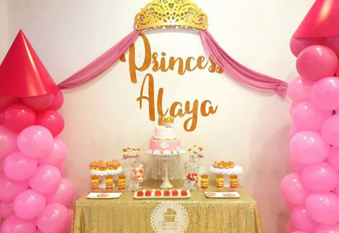 Yummylicious On Twitter Royal Dessert Table By Yummylicious For