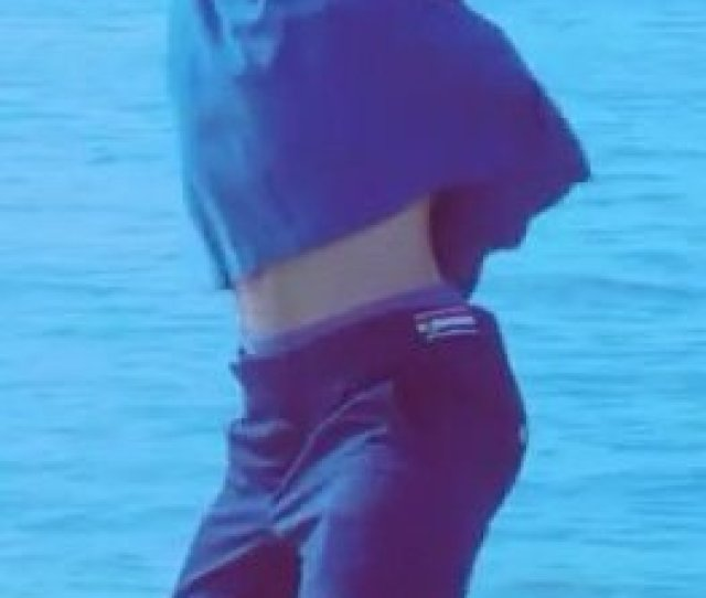 Jesss Tweet Jimin Really Out There Having Such Tiny Waist But Big Ass Who Allowed This Trendsmap