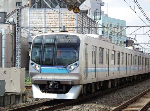 test ツイッターメディア - 【国交省発表】首都圏の電車混雑率、ワーストは東西線の199% https://t.co/wnVJ9HaRoc  総武線が197%、横須賀線が196%と続いた。複々線化を行った小田急小田原線は151%で、前年度の192%から大幅に改善。 https://t.co/ikfL9dDRLs