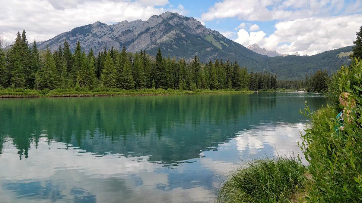Calgary to Banff mountain scenery