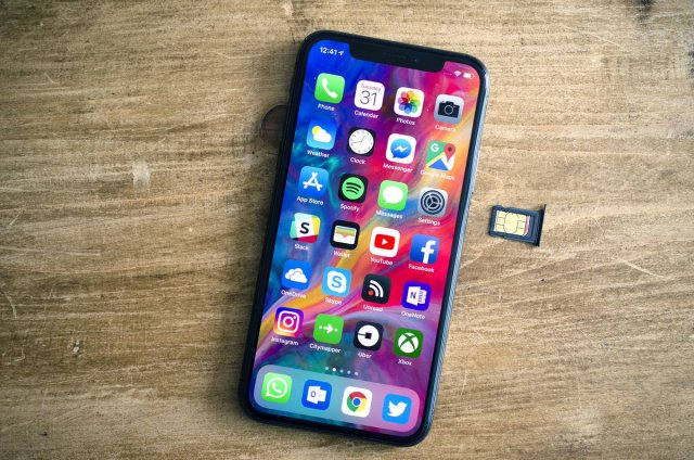 iPhone dual-SIM references discovered in latest iOS 12 beta...