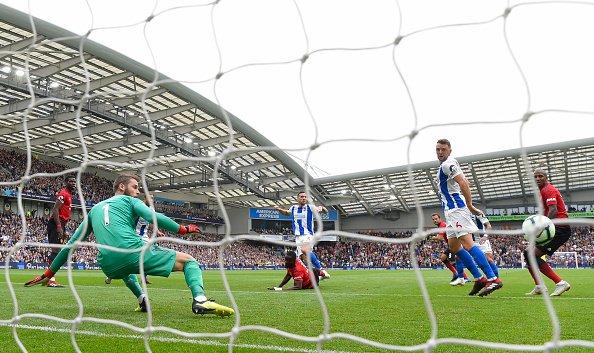 برايتون هوف ألبيون يُلحق بمانشستر يونايتد هزيمته الأولى في الموسم 26