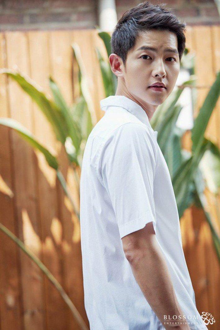 "KpopCeleb on Twitter: ""Actor Song Joong Ki, Seoul debut 10th ..."