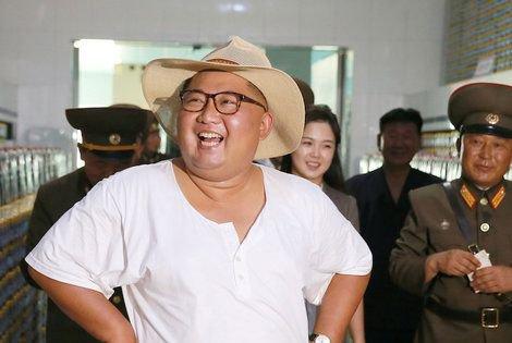 test ツイッターメディア - 「もうダメだ。打つ手がない」異常な猛暑に北朝鮮国内から絶望の声 40度近い猛暑と雨不足で農業に深刻な影響が出始めた。水を引くのも中高生の労働力頼りで、斜面の農地や遠くの農地までは手が届かない https://t.co/aXwDH3sIts #北朝鮮 #猛暑 #水不足 #貧困 #食糧 https://t.co/rOQvFwX0jZ