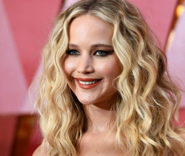 Hacker Who Leaked Nude Photos Of Jennifer Lawrence Sentenced To Prison Https T