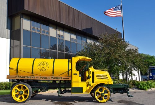 small resolution of mack trucks on twitter check out this 1920 mack street flusher truck from the cityofsaintpaul and restored by nussgrp tbt