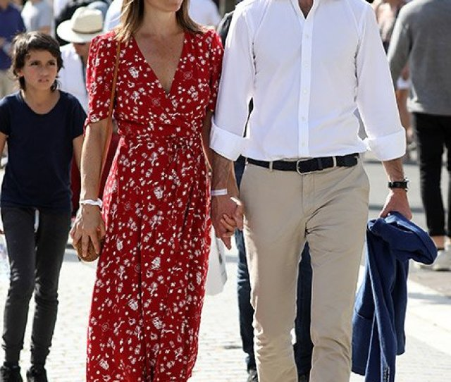 Officially In Nesting Mode Pippa Middleton And Husband James Move Into New Home As They