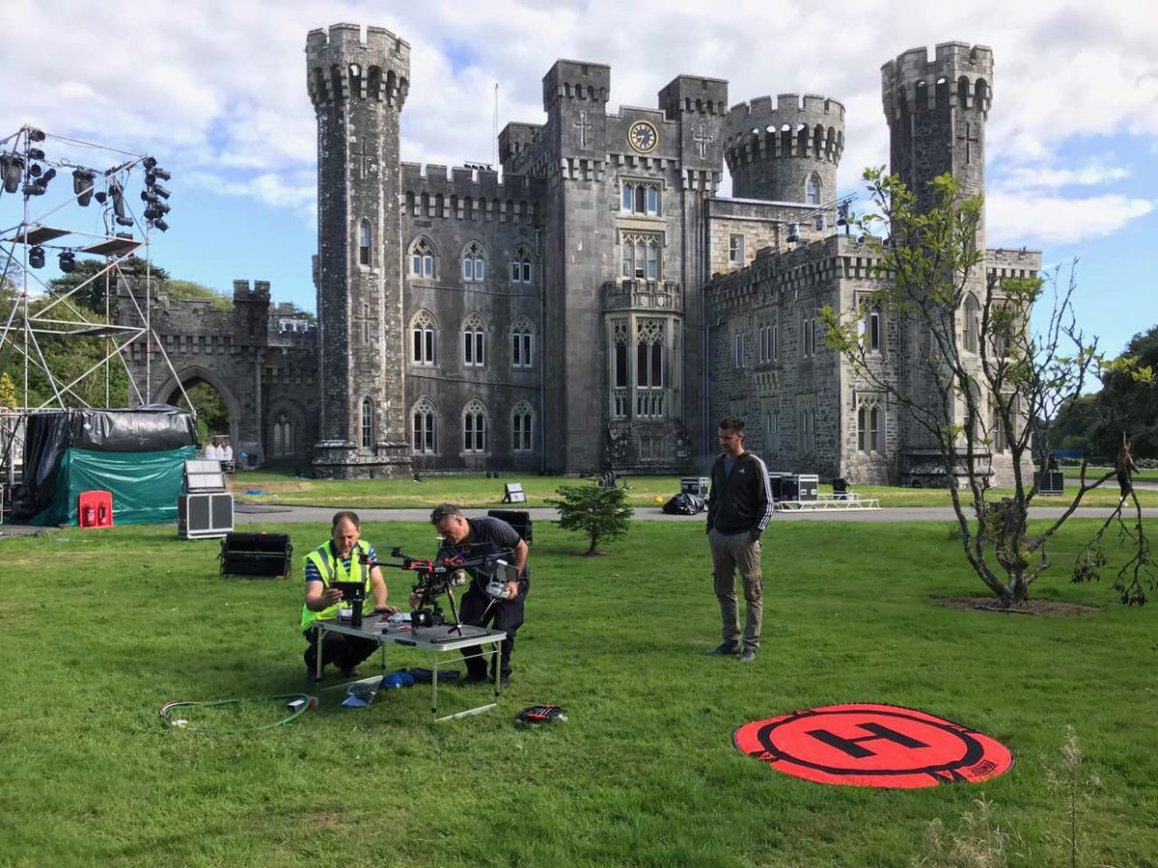 """test Twitter Media - Getting ready to film @Celtic_Woman for their @pbs  special """"Ancient Land"""" in @johnstowncastle https://t.co/TCiVIQtrBc"""