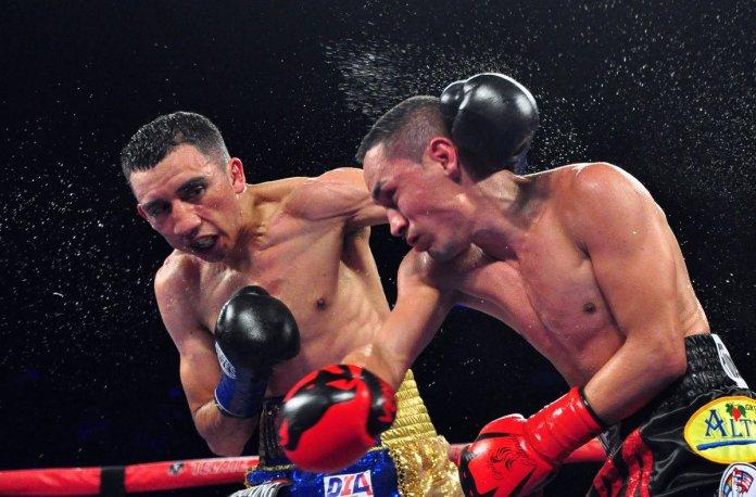 Pelea completa: Gallo Estrada vs Gallo Orucuta