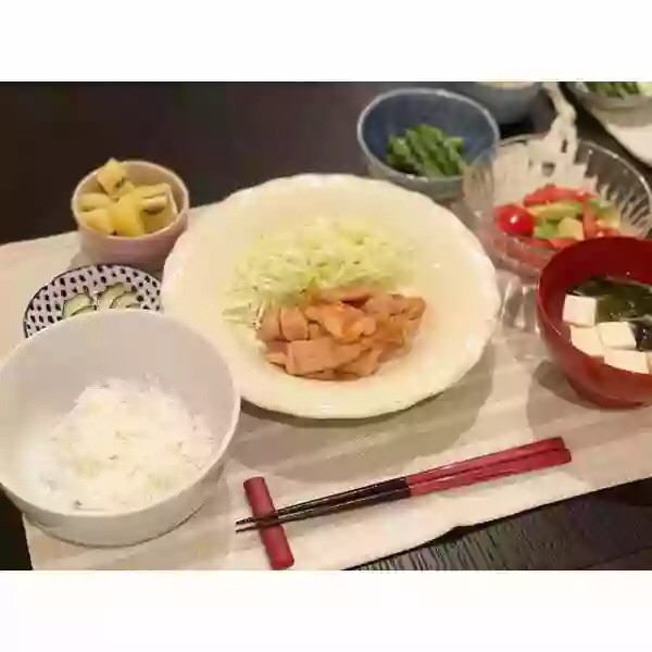 test ツイッターメディア - 新婚真野恵里菜の晩御飯の食卓をご覧下さい   ハロプロまとめ『カラフルxハロプロ'18』 https://t.co/jcWpm5uB9C https://t.co/MQjHyu04ON