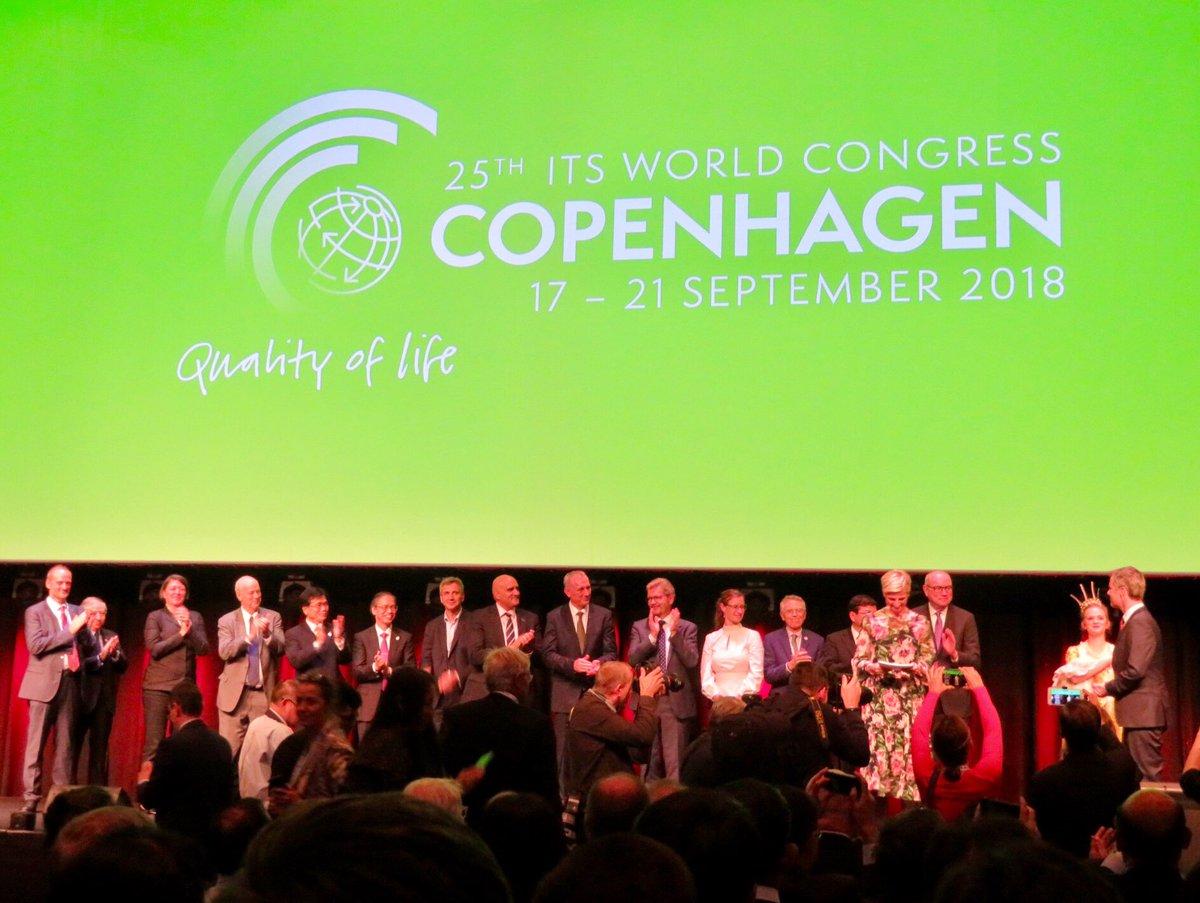 test ツイッターメディア - デンマーク・コペンハーゲンから、おはようございます😃 昨日、デンマーク皇太子殿下ご臨席の下、 「第25回ITS世界会議」が始まりました❗️ ITS Japan・佐々木会長をはじめ常任理事、関係省庁、関係団体、関係企業の皆様方、国民民主党・古本衆議院議員と共に開会式に出席しました。 https://t.co/gVOOi8p8sO