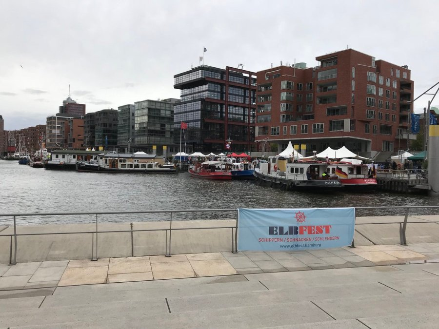 test Twitter Media - Wir trotzen jedem Wetter... #Elbfest #Hamburg https://t.co/YwO4M59f58