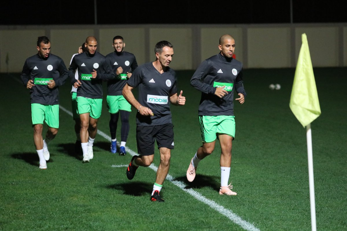 بالصور: الخضر يجرون أول حصة تدريبية وهذا ما قام به بلماضي 3