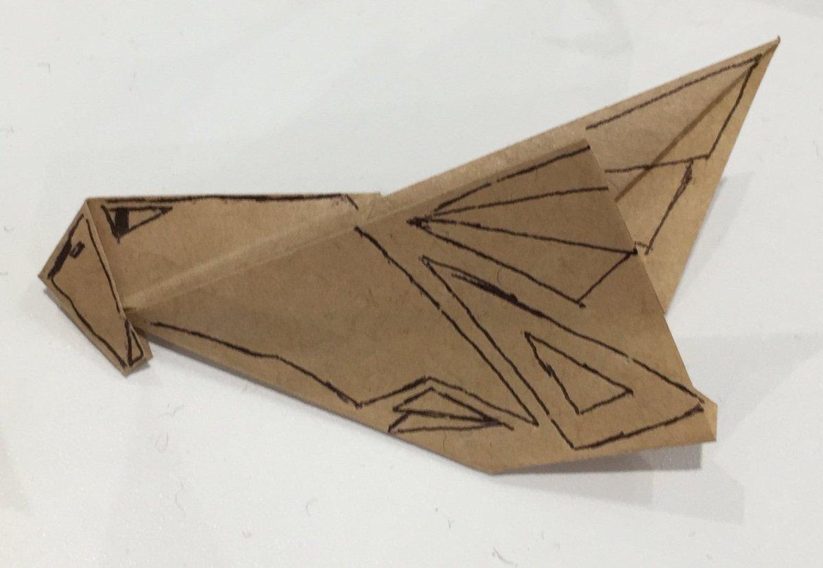 test ツイッターメディア - あいち航空ミュージアム内のお土産屋さん 【Museum Shop   Fun Blade】にはイケメンのスタッフの方がサービスの一環として折り紙を折っていましたよー しかも小さな紙で見たことが無い折り紙飛行機を!  その中にな、な、なんと #オジロワシ がー‼️ (((o(*゚▽゚*)o)))  #あいち航空ミュージアム https://t.co/utkXOCHi3N