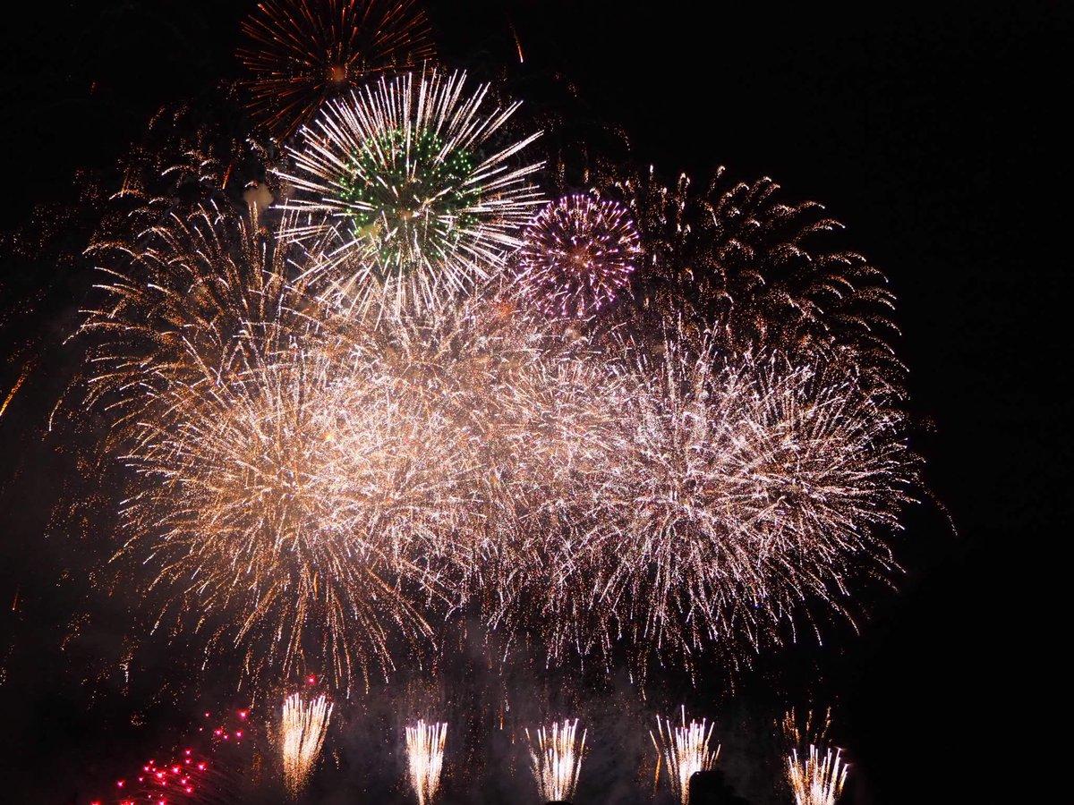 test ツイッターメディア - 「今年も世田谷たまがわ花火大会に来て良かった!!!!」#世田谷花火  メール応募、画質落ちちゃったのであげ。 https://t.co/4voHQH0Yet
