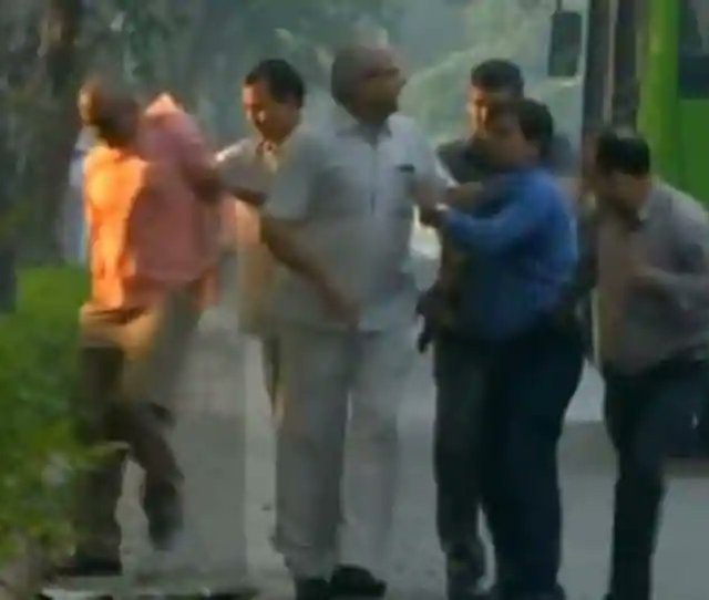 Men Caught Outside House Of Cbis Alokverma Being Questioned Https