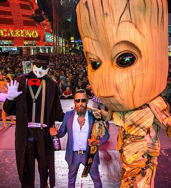 Get daily travel tips & deals! Vegasnews Com On Twitter Halloween Celebration That Hit Downtown Las Vegas Via Vegasnews Read More At Https T Co F7bg3secpr Thedlasvegas Goldengatevegas Derekjstevens Goldberg Randy Couture Wwe Redwhiteandfyou Vegas Costumes Https T