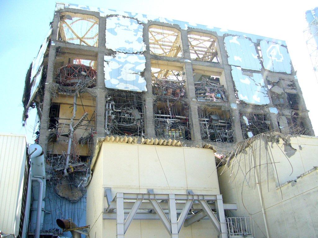 test ツイッターメディア - @BOOgandhi 2度目の爆発を枝野は『4号機3階北西部階段付近から出火。』と伝えています。確かに3階北西部も爆発!此れが4階全体に拡がって、東電が米軍に助けを求めた事で、安倍晋三が柏崎刈羽原発で東電に請け負わせた「違法内職」失敗の後始末を福一原発4号機で遣らせた事も事実だと確認可能! https://t.co/muvovU7Jjc