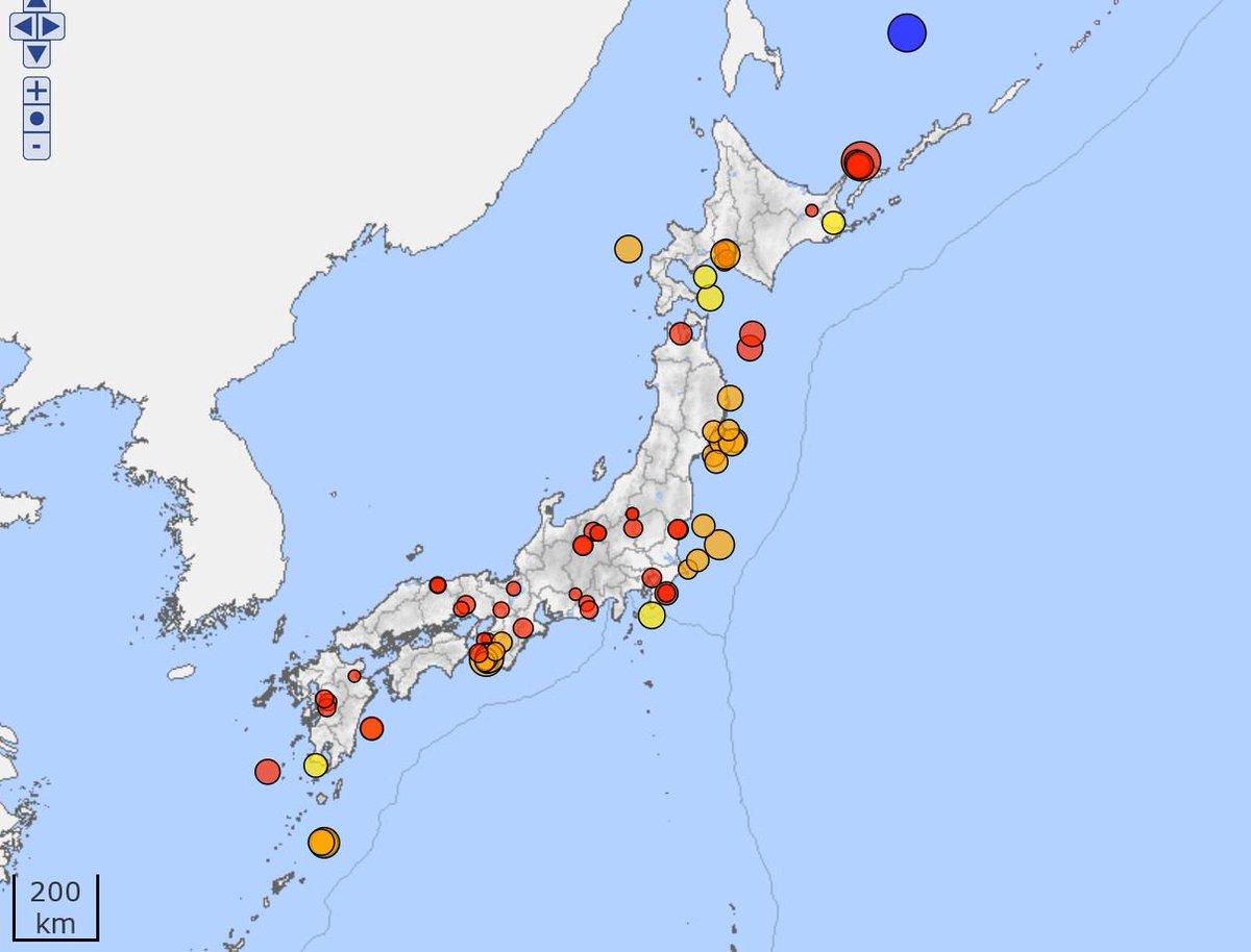 test ツイッターメディア - 11月1日から11月17日迄に起こった有感地震   紀伊半島とその周辺が多い https://t.co/JpWKUtmIND