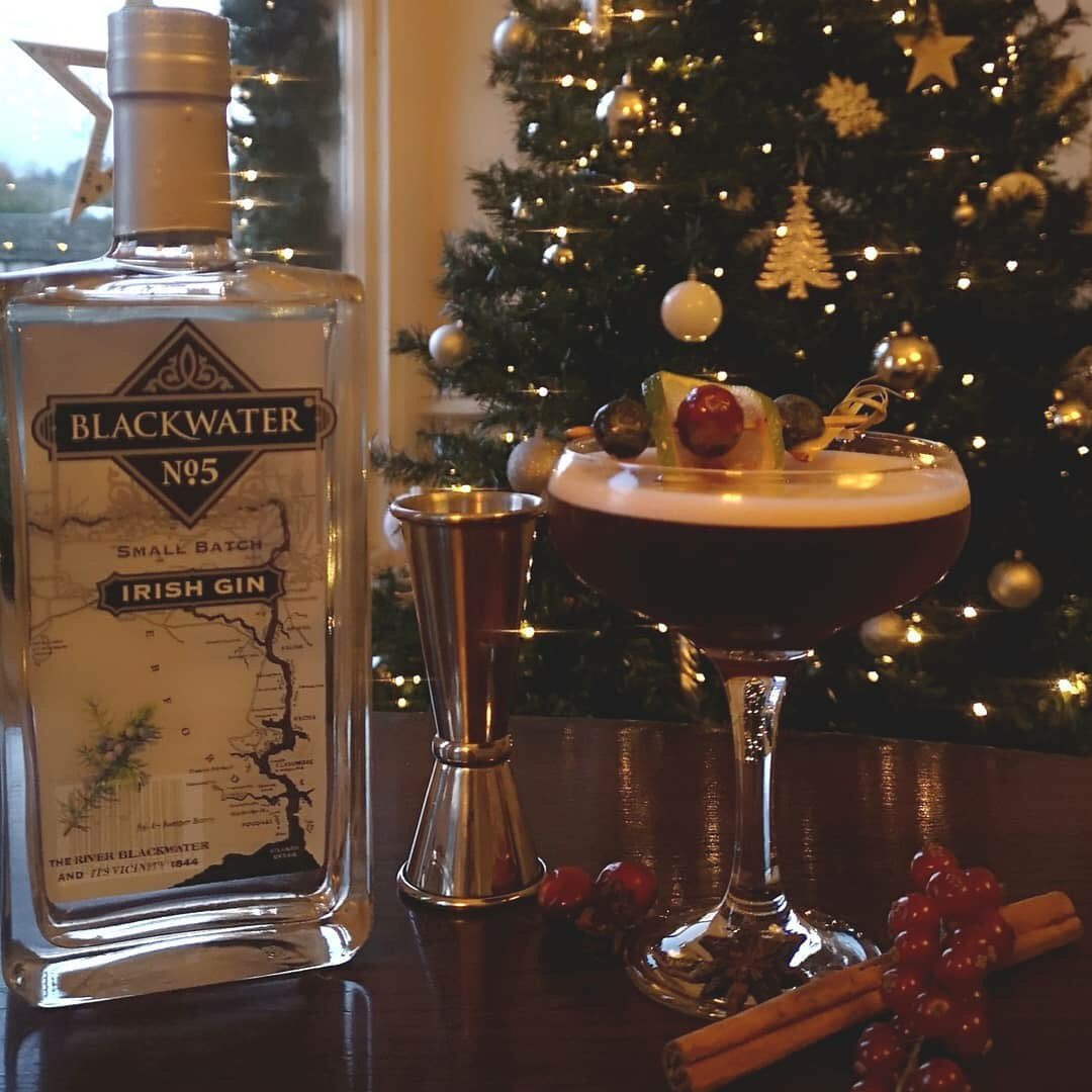 """test Twitter Media - Looking forward to @TVM_ie & @IRISRacing Staff Christmas Party @fermoyhotel this week and the fantastic John has even created a special cocktail for the night """"Christmas Through a Lens"""" and don't worry the Designated Drivers will be looked after too! https://t.co/UuxM6OUojD"""